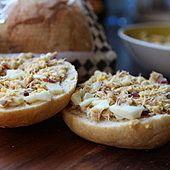 Pasta z makreli mojego taty Bagel, Baked Potato, Potatoes, Bread, Baking, Ethnic Recipes, Food, Potato, Brot