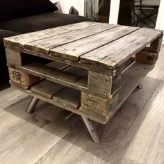 Pallet Wood DIY Table