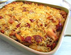 If you like meals prepared in the oven, you will love this chicken and chouriço rice recipe in the oven. It's ideal for a family lunch! How To Cook Rice, How To Cook Shrimp, Food C, Good Food, Rice In The Oven, Fast Easy Meals, Portuguese Recipes, Food Website, Food Preparation
