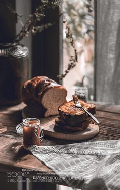 吐司 桃子果酱 Rustic Food Photography, Cake Photography, Food Photography Styling, Food Styling, Foodblogger, Aesthetic Food, Food Design, Food Inspiration, Waffles
