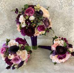 New vintage wedding flowers bouquet lavender ideas Plum Wedding Flowers, Purple Wedding Bouquets, Bridal Flowers, Flower Bouquet Wedding, Bridesmaid Bouquets, Bridal Bouquets, Wedding Lavender, Tulip Bouquet, Cascade Bouquet