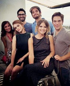 Tyler, Posey, Tyler Hoechlin, Shelly Hennig, Dylan Sprayberry, and Holland Roden. Oh and some other person I don't recongize.