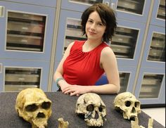 The functional brain networks that underlie Early Stone Age tool manufacture