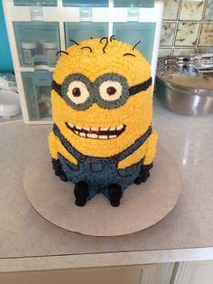 Buttercream minion cake