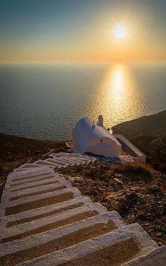 Αποτέλεσμα εικόνας για Κάποτε θ' ανταμώσουμε στους λόφους του ήλιου. Μην ξεχνάς. Περπάτα.