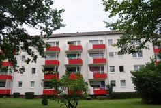 Apartment Heidfeld Hannover Located in Hannover, this apartment is 2.3 km from CeBIT. The property boasts views of the garden and is 2.4 km from Expo Plaza Hannover. Free WiFi is offered throughout the property.