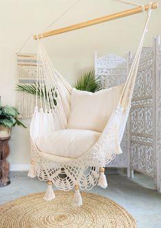Hammock In Bedroom, Indoor Hammock Chair, Bedroom Chair, Room Ideas Bedroom, Bedroom Decor, Indoor Swing, Outdoor Hanging Chair, Hanging Beds, Outdoor Hammock