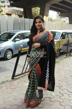 Vidya Balan posed for the cameras as she promoted her upcoming film Tumhari Sulu in Mumbai wearing a black printed sari and long earrings. Vidya Balan Hot, Pose For The Camera, All Smiles, Film Photography, Black Print, Bollywood, Kimono Top, Actresses, Poses