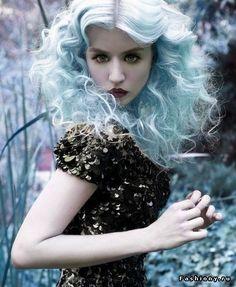 Blue/white hair
