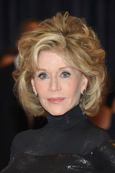 Big hair is her thing, and it just works. At 77 years old, Jane Fonda still knows how to make an entrance.