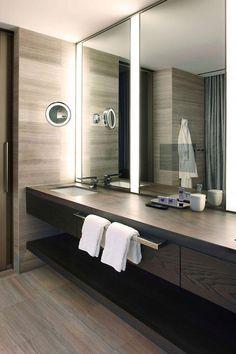 I've been spotting some fantastic DIY vanity mirror recently. Here are 17 ideas of DIY vanity mirror to beautify your room Bathroom Mirror Makeover, Diy Vanity Mirror, Diy Bathroom Remodel, Bathroom Interior, Bathroom Vanities, Mirror Bathroom, Small Vanity, Corner Vanity, Vanity Tops