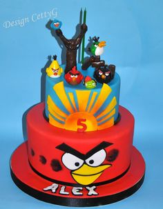 Le torte decorate di CettyG...: Angry Birds Cake....