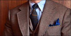 Tweed, OCBD and Ancient Madder via vox sartoria Beige Suits, Tweed Suits, Mens Suits, Bespoke Suit, Bespoke Tailoring, Brown Brogues, Savile Row, Dapper Men, Mode Masculine