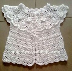 This Pin was discovered by Mar Boy Crochet Patterns, Crochet Baby Sweater Pattern, Crochet Baby Jacket, Gilet Crochet, Baby Sweater Patterns, Crochet Coat, Crochet Girls, Crochet Baby Clothes, Newborn Crochet