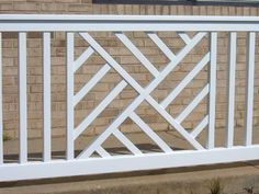 Image from http://weatherwisevinyl.com/images/products/Railing/Chippendale/Large/Chippendale%20Rail_l.JPG.