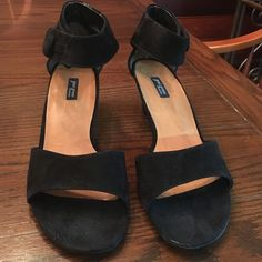 Paul Green heeled sandals. Size 8.5. Paul Green heeled sandals. Size 8.5. (Size 6 UK) Handmade. Suede with Velcro fastener around ankle. Pre loved but Great condition! Offers welcome. Paul Green Shoes Heels