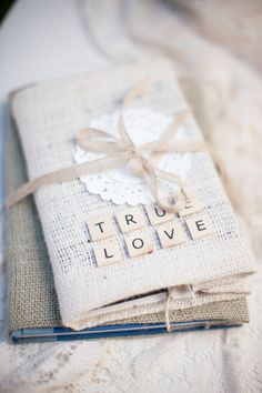 Burlap wedding decor {Photo by Shaun & Skyla Walton via Project Wedding}
