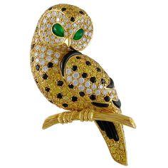 Van Cleef & Arpels Diamond and Fancy Yellow Diamond Gold Owl Brooch 1