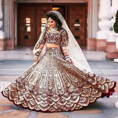 Looking for Bridal Lehenga for your wedding ? Dulhaniyaa curated the list of Best Bridal Wear Store with variety of Bridal Lehenga with their prices Indian Bridal Outfits, Indian Bridal Lehenga, Indian Bridal Fashion, Indian Bridal Wear, Pakistani Bridal Dresses, Asian Bridal, Bridal Gowns, Wedding Lehnga, Bollywood Wedding