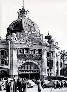 Flinders Street station Melbourne, decorated for the Victorian Railways Centenary and Royal visit Melbourne Girl, Melbourne Victoria, Victoria Australia, Melbourne Australia, Australia Travel, Airlie Beach, Australian Architecture, Fantasy Castle, Historical Pictures