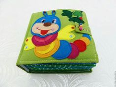 Quiet Toddler Activities, Educational Toys For Toddlers, Toddler Books, Activities For Kids, Sensory Book, Felt Quiet Books, Book Quilt, Busy Book, Felt Diy