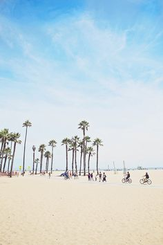 Nothing like a beautiful #sunny day at Santa Monica Beach that's perfect for a morning exercise routine or even people watching.