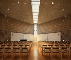Image 17 of 28 from gallery of BUFS Chapel / Architects Group RAUM + Nikken Sekkei. Photograph by Yoon Joon-hwan Sacred Architecture, Architecture Board, Religious Architecture, Church Architecture, Interior Architecture, Modern Church, Church Interior, Church Design, Googie
