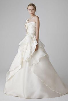 peter-langner-wedding-dress-collection-2016.jpg (700×1040)