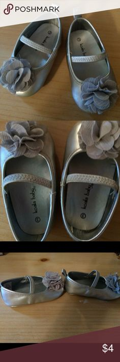 Silver Baby Dress Shoes Koala Baby silver baby dress shoes size 3. In good condition. Small scuff on both heels but only noticable from the bottom, not when worn. From a clean and smoke free home. Koala Kids Shoes Dress Shoes