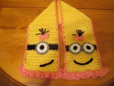 Girl Minion Scarf (Image only)