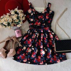 Vestido Alcinha Boneca Bárbara   No neoprene C/ BOJO( Estampa Flores/ Fundo Preto)
