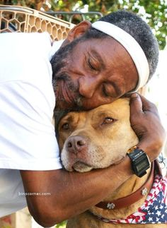 Another Inspiring Pit-bull story. Mike the homeless guy and his dog.