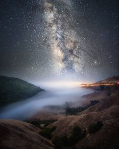 Big Sur (California) by Gabe Rodriguez ( Above The Clouds, Sky And Clouds, Night On Earth, Big Sky, Best Photographers, Science And Nature, Milky Way, Landscape Photos, Ciel