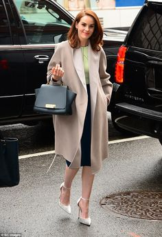 All eyes on her: Michelle Dockery, looked chic in a statement coat as she headed out in New York on Tuesday after talking about her drama The Sense Of An Ending on CBS Film Curvy Fashion, Denim Fashion, Womens Fashion, Cheap Boutique Clothing, Fashion Boutique, Michelle Dockery, Lady Mary, Cinema, Looks Chic