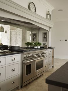 Nickelby Kitchen - Designed by Humphrey Munson Kitchens 1