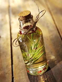 DIY - Herbal Oil Infusions for Hair