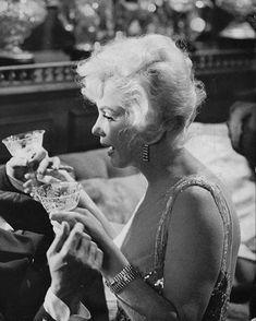 Marylin Monroe, Marilyn Monroe Photos, Vintage Movie Stars, Vintage Movies, Old Hollywood, Hollywood Actresses, Nostalgia, Norma Jeane, Iconic Women