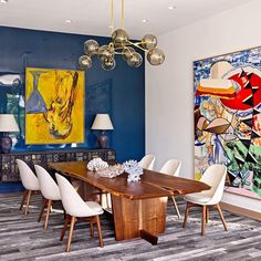 This Southampton dining room, by architect @annabelleselldorf and designer Joe Nahem of @foxnahem, has major personality. Photo by @pieteresersohn