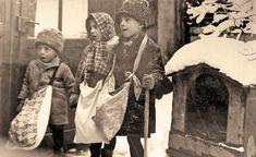 Iosif_Berman_-_Prichindei_la_urat_pe_uliţele_şi_străzile_Bucureştilor Christmas In The City, Old Photographs, Past, Romania, Painting, Folklore, Bucharest, Kustom, Past Tense