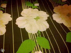 Kauniit valkokukkaiset vihreät retroverhot. PORIN PUUVILLA?