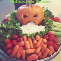 100 Creepy Halloween Food ideas that looks disgusting but are delicious - Hike n Dip - - Make your Halloween Party special with these Creepy Halloween food ideas. These Halloween food recipes look scary but are delicious & perfect for party. Spooky Halloween, Entree Halloween, Halloween Fingerfood, Comida De Halloween Ideas, Postres Halloween, Halloween Party Snacks, Halloween Appetizers, Halloween Goodies, Snacks Für Party