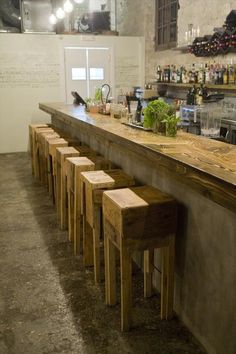 Enjoy Cocktail Pallet Bar With Stools