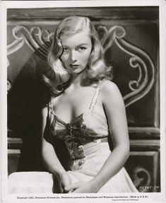Veronica Lake signed oversize photograph inscribed to her stand-in Barbara Cain. Hollywood Icons, Old Hollywood Glamour, Golden Age Of Hollywood, Vintage Hollywood, Hollywood Stars, Hollywood Actresses, Classic Hollywood, Actors & Actresses, 1940s Actresses