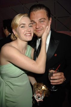 Kate Winslet and Leonardo DiCaprio are married. - The Kate Winslet and Leonardo DiCaprio Trivia Quiz Leonardo Dicaprio Kate Winslet, Kate Winslet And Leonardo, Leonardo Dicaprio Photos, Leonardo Dicaprio Parents, Kate Titanic, Film Titanic, Titanic Wreck, Kate Winslate, Leo And Kate