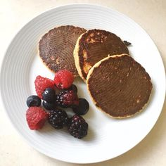 Apple & cinnamon #protein pancakes with fresh berries for #breakfast. Needed some #energy this #morning to hit the #kitchen & homewares stores in #HK - got some amazing things!!! #healthy #healthyfood #healthyeating #fresh #fitfam #fitness #nutrition #instafood #wellbeing #travelgram #shopping