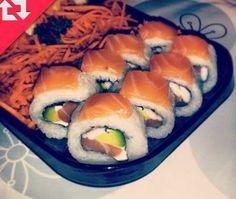 sushi oh how I miss sushi ... Good sushi ... Sushi by an actual sea :)