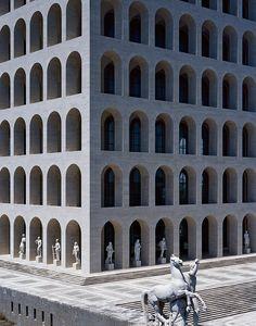 Les plus belles balades architecturales : Le Colosseo Quadrato à Rome