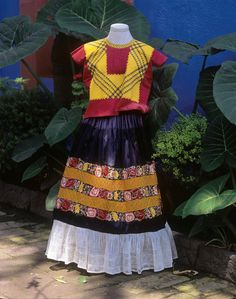Worn Through » Self Portrait in a Velvet Dress: The Fashion of Frida Kahlo