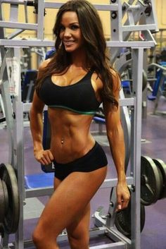 Breasts implants & Lifting Weights: Pros & Cons