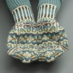 Ravelry: Tettegouche Mittens pattern by Virginia Sattler-Reimer Fair Isle Knitting, Loom Knitting, Knitting Socks, Hand Knitting, Knitting Patterns, Knitting Machine, Hat Patterns, Vintage Knitting, Stitch Patterns